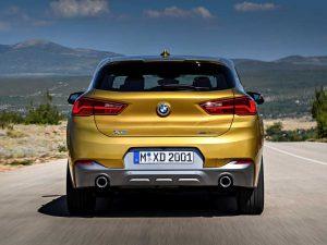 Фото BMW X2 в желтом кузове