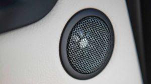 Фото салона кроссовера BMW X2