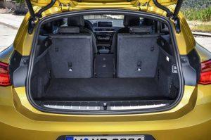 Фото интерьера нового автомобиля БМВ Х2