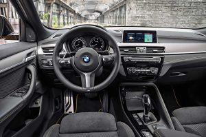 Фото интерьера кроссовера-купе БМВ Х2