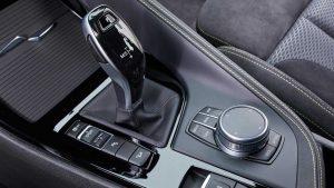 Фото интерьера спортивного кроссовера-купе BMW X2