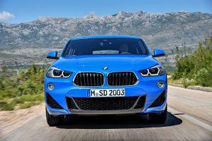 Фото BMW X2 в синем кузове