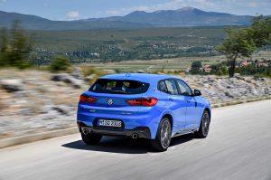 Фото синего кузова автомобиля БМВ Х2