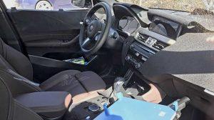 Интерьер кроссовера BMW X2 не вызывает удивления