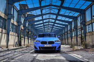 Фото кузова БМВ Х2 синего цвета